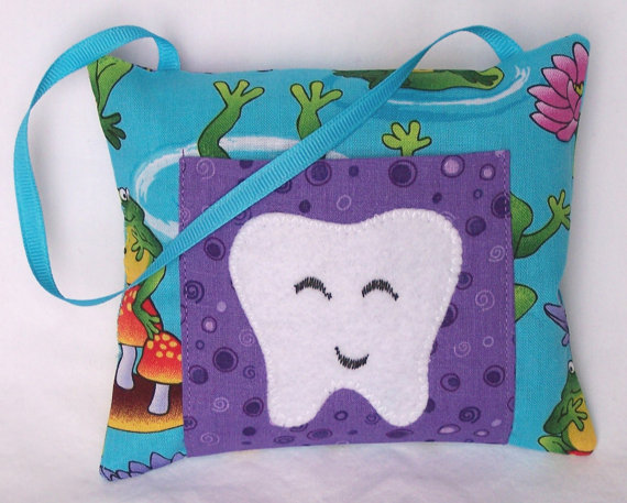 Froggie Tooth Fairy Pillow by 3 Silly Monkeys